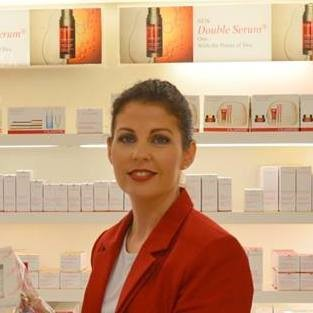 clarins-beauty-consultant
